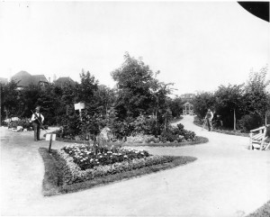 AM Assiniboine Park c 1910 N25 Fort Rouge