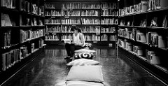 bookstore b and w